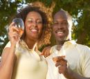 AfricanCouple_drinking_wine