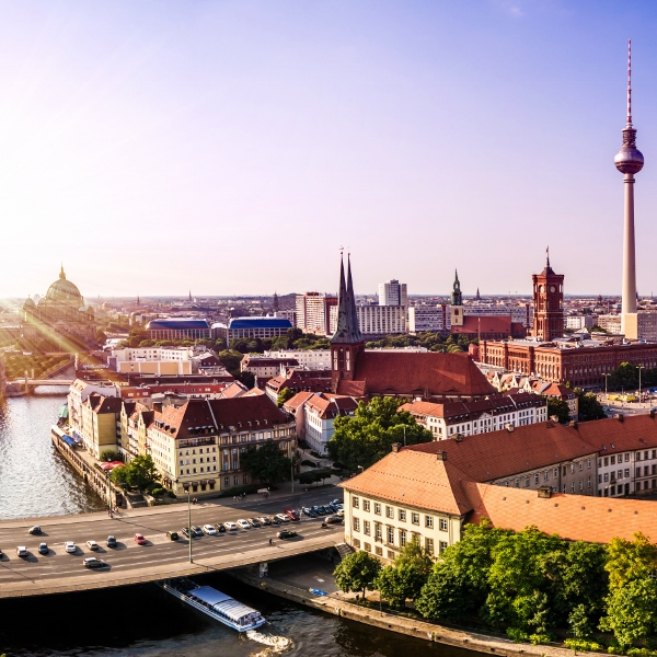 View over city 146197334 600x600 - Putting fizz in the German wine market